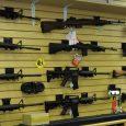 Ofrecen armas con descuento para regresar a clases