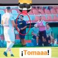Camarógrafo la movió como Ronaldinho y se hizo viral